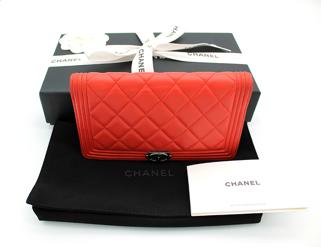 a931a4ec1fe5 CHANEL RED LAMB SKIN WaLLET - Posh Bags London